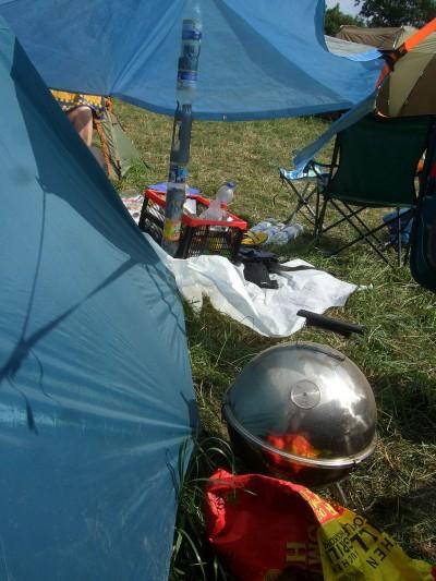 sonnemondsterne-2009-campingplatz-behausung