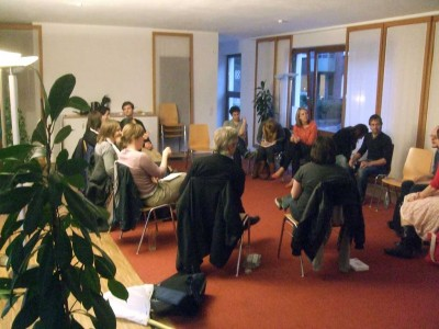 socialbar-diskussionsrunde-microsfunding-400x300 8. Hamburger Socialbar